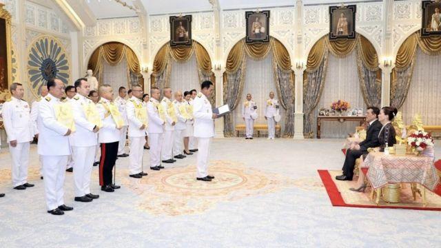 ในหลวง ร.10 พระราชทานโฉนดที่ดินในพระปรมาภิไธยแก่ 9 หน่วยงานรัฐและมหาวิทยาลัย
